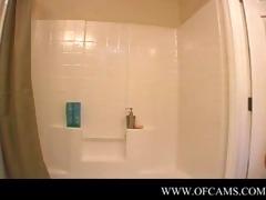 pornlygirl18 closes the bath door...