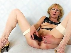 blondie mother gapes and fucks her fuck aperture