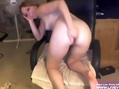 golden-haired college girl marie masturbates