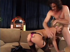 dilettante dad is inserting huge sex tool in her